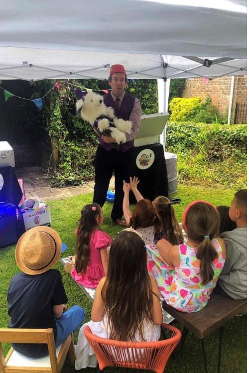Hull Beverley Woodmansey Magician Entertainer